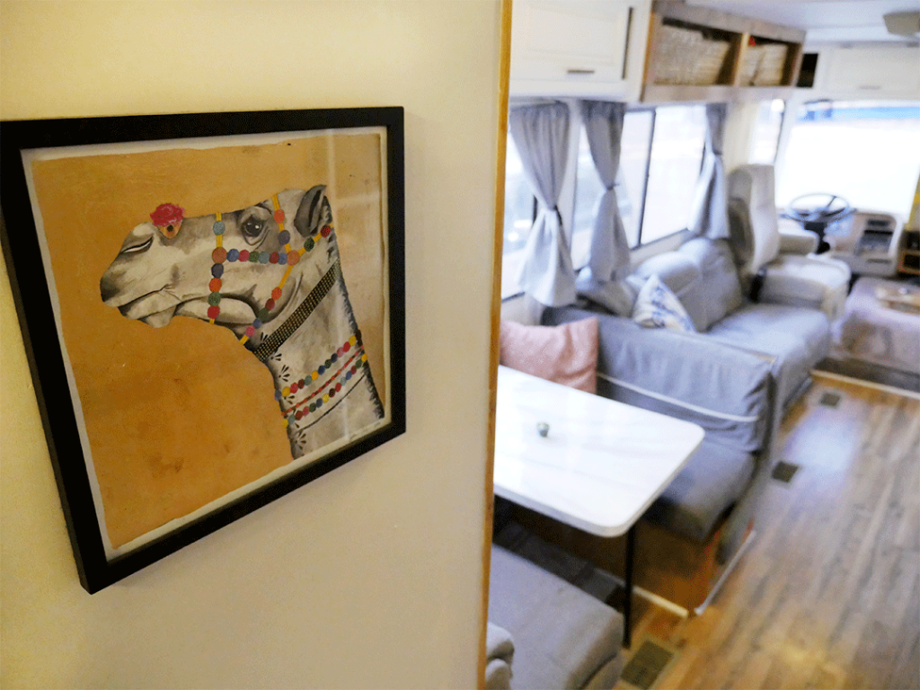 RV renovation - hanging pictures
